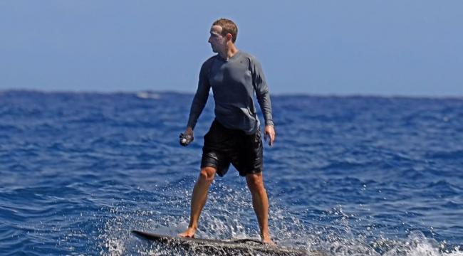 Facebook'un patronu Marc Zuckerberg Joker'e özenip bakın ne yaptı?