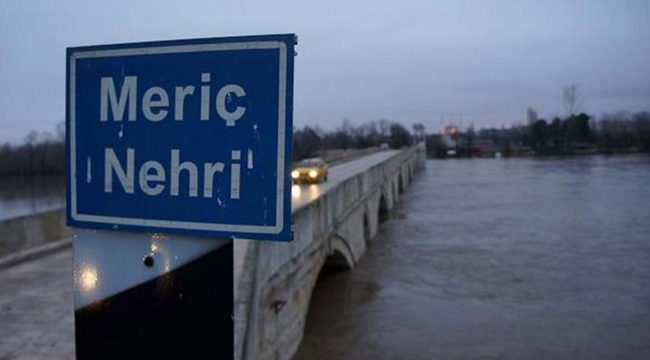 Yunanistan Meriç Nehri sınırında çelik duvarlar örmeye başladı